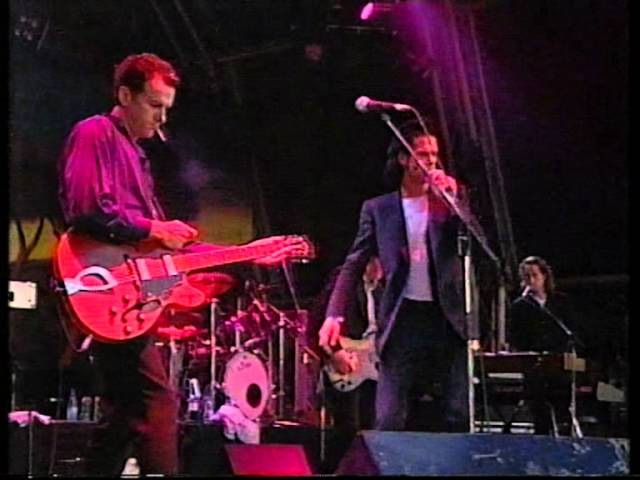 Nick Cave And The Bad Seeds - Red Right Hand (Glastonbury 1998)