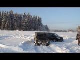 Гелен прет по сугробам! Mercedes Gelandewagen G500