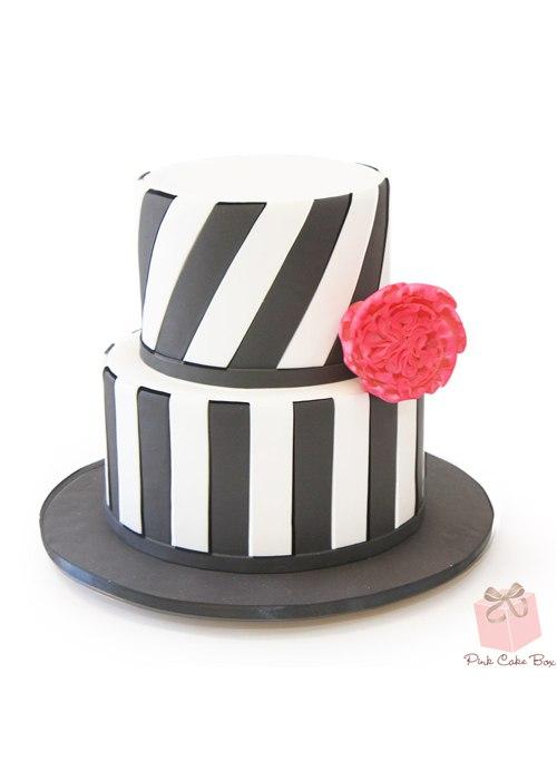kDKVb4pJpKg - 10 Изысканных свадебных тортов для самых впечатлительных невест