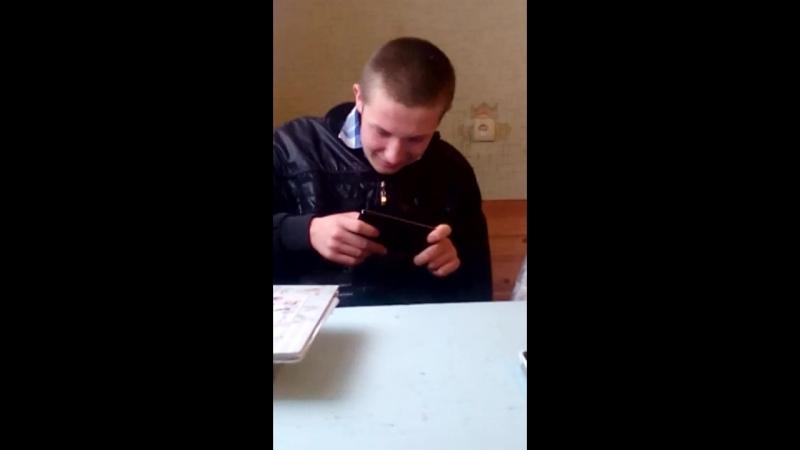 Полностю погружен в ігру)