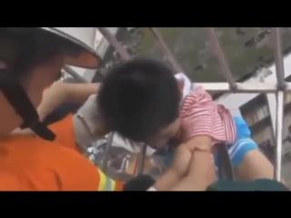 Это видео тронуло миллионы сердец - The real heroes on earth (1)