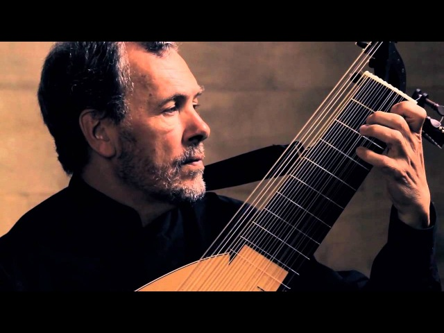 S.L. Weiss - Ouverture in B flat major. Nigel North - baroque lute.
