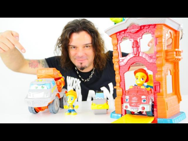 Play-Doh hamuru ile yeni oyuncak itfaiye istasyonu. Türkçeizle! Erkekçocuk oyuncakları/oyunları