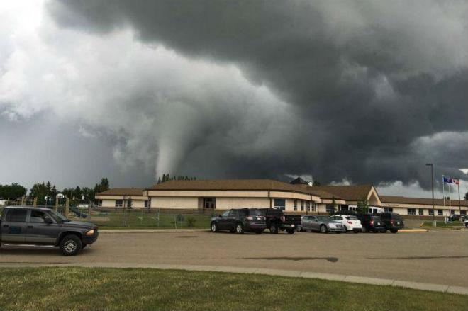 ponoka tornado, alberta tornado, canada tornado