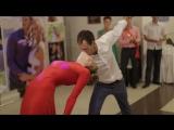 Свадебный танец с сюрпризом и крутыми поддержками от Жени и Лёши!))