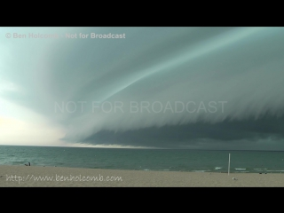 Incredible Breathtaking Shelf Cloud comes ashore in Grand Haven, MI. Шкваловый ворот. Гранд Хейвен, Мичиган США. 18.07.10