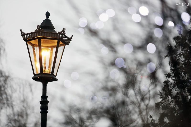 Во дворе дома на проспекте Маршала Жукова восстановили освещение