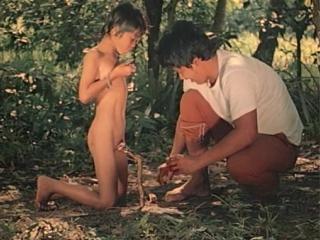 60a. Perfumed Nightmare (1977) Filipiny (No kids porn!)
