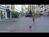 Alena Nude in Public 3