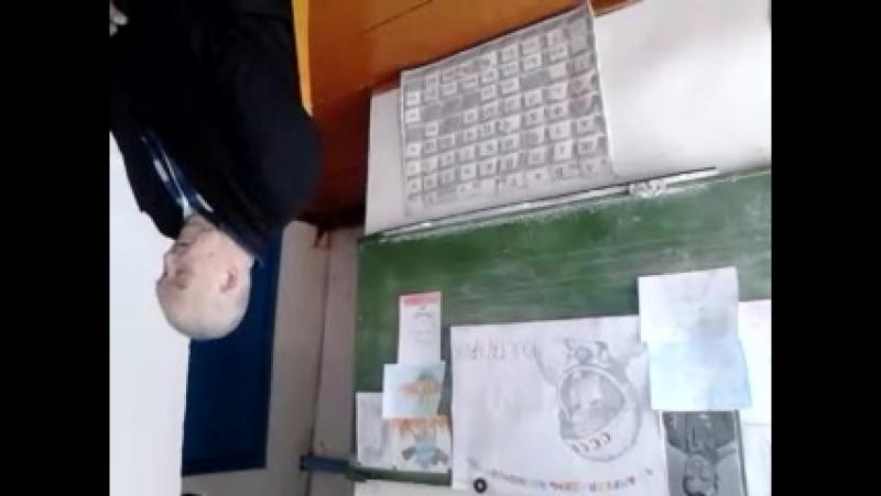 ауылдашыбыҙ Закиров Әнүәр Йосоп улының уҡыусылар менән осрашыуы12 апрель-Космонавтика көнө