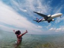 Aircraft landing maikhao beach Phuket Thailand Посадка самолетов на пляже Май Кхао Пхукет