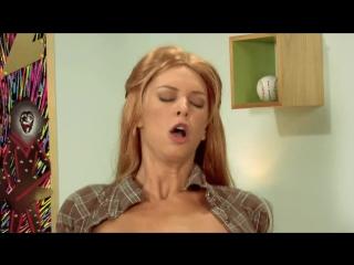 70s Show: A XXX Parody / Шоу 70-х ( Порнопародия ) В ролях: Anthony Rosano, Ashlynn Brooke, Brooke Banner, Missy Stone, Ralph L