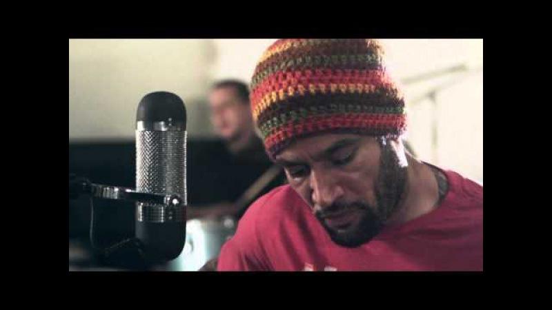 Ben Harper and The Innocent Criminals - Jah Work: A Lewis Marnell Tribute » Freewka.com - Смотреть онлайн в хорощем качестве