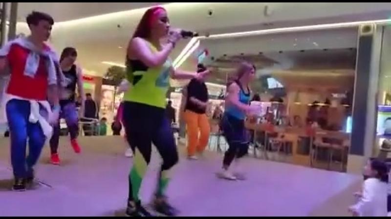 Margarita Bella - Bailando Zumba