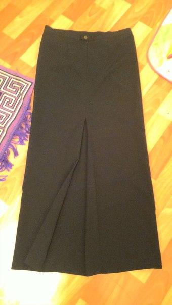 Ассаляму алейкум! Продам чёрную прямую юбку со складкой, размер 44 (полуобхват т...
