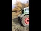 Длинномер перевернулся 3 Трактора фендт спасают грузовик