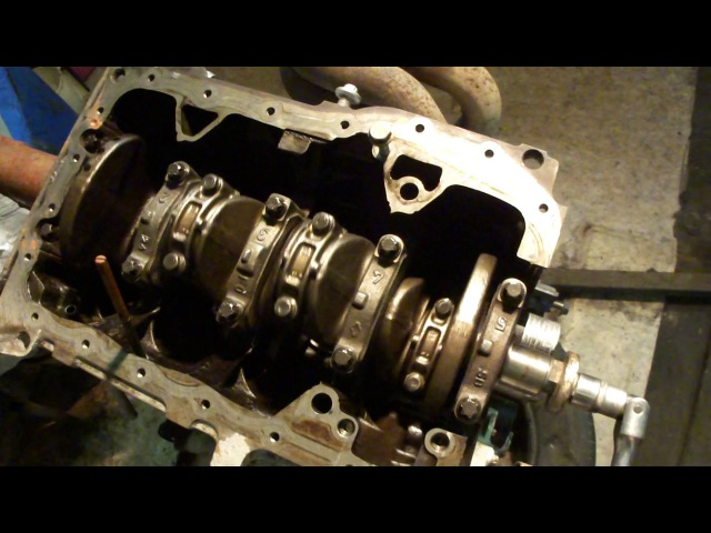 Renault Clio 172 F4R crankshaft and conrods after changing all bearings