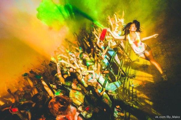 Фестиваль Красок THE COLOR PARTY – Ижевск подарит 3 пакетика краски случайному подписчику своей группы, который сделает репост этой записи.
