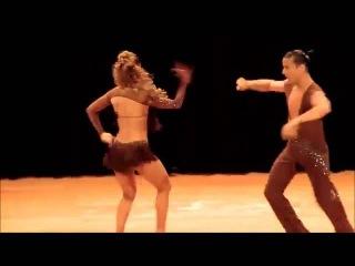 Латиноамериканский танец, как они быстро двигаются!