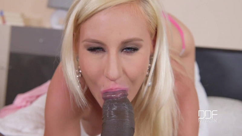 Helena Valentine (Blonde Prefers A Dash Of Jizz On Her Cup / 2016-08-31)[Blowjob,Handjob,Interracial,College,HD 1080p]