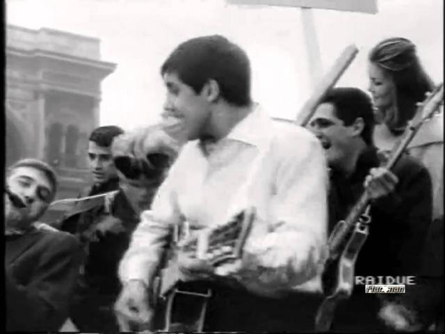 ♫ Adriano Celentano ♪ Impazzivo Per Te In piazza Duomo a Milano ♫ Video Audio Restaurati HD