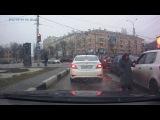 В Воронеже недовольная попрошайка высыпала мелочь водителю в салон