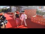 Красная дорожка ОМКФ 2016 - Владимир Комаров и Ирина Медушевская - Red Carpet