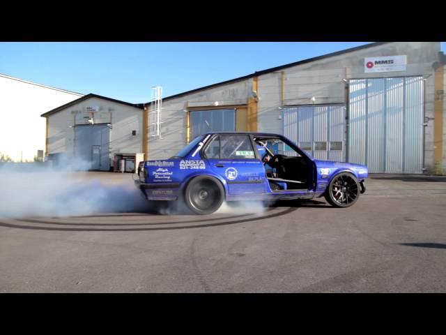 Bmw E30 2,9T - After Crash burnout !