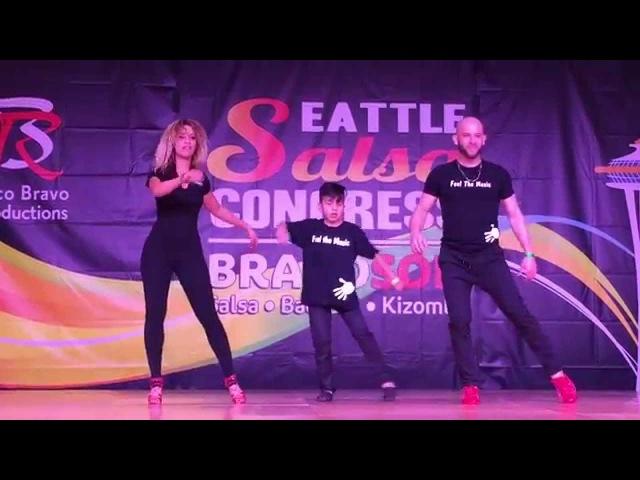 ATACA LA ALEMANA DEYMIAN = LOCO DE AMOR BACHATA DANCE @SEATTLE SALSA CONGRESS 2015