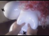 силиконовая кукла (давим сиськи)