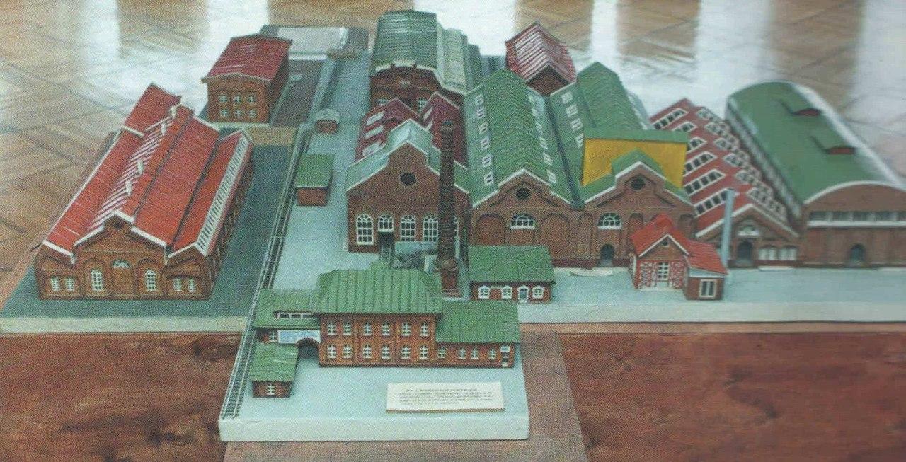 макет дореволюционного завода «Красный котельщик», выполненный Кияновым А.П.