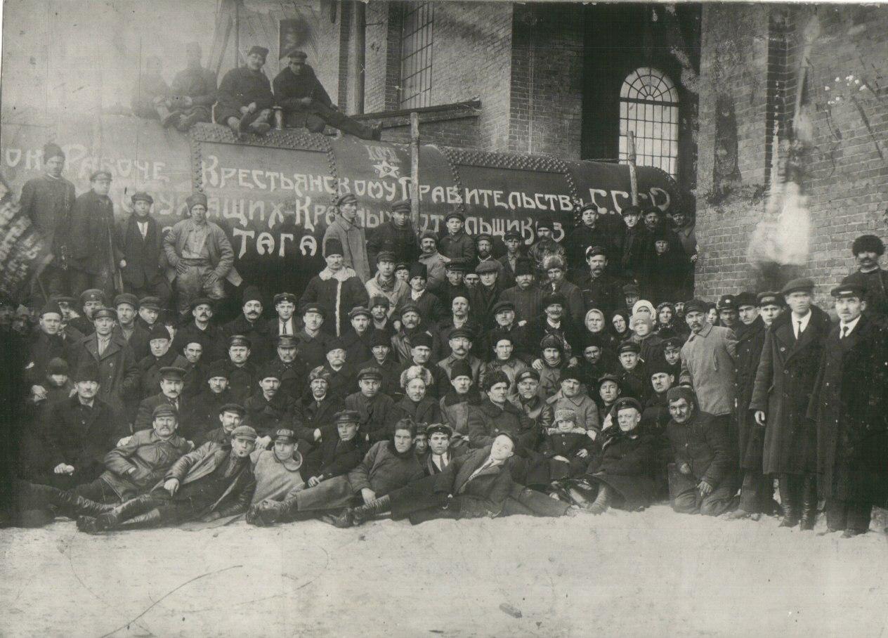 отгрузка первого ланкаширского котла после консервации завода «Красный котельщик», 1925 г.