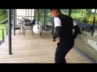Неймар бросает вызов Роналдо
