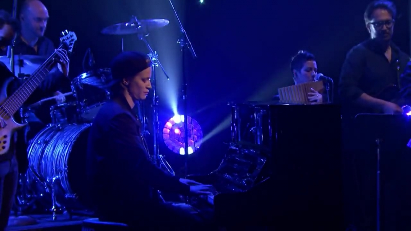 Kygo ft. Parson James - Stole the Show ( The Tonight Show Starring Jimmy Fallon )