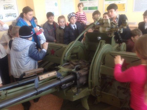 Учащиеся воскресной школы станицы Исправной побывали в гостях у воинов 34-ой отдельной мотострелковой бригады