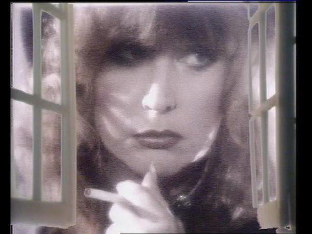 Алла Пугачева - Осенний поцелуй (Новогодняя ночь 19921993)
