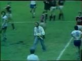1976 (27.07) ГДР - СССР - 2-1 Первый стрикер на матче Сборной СССР . Козацькому роду, нема переводу