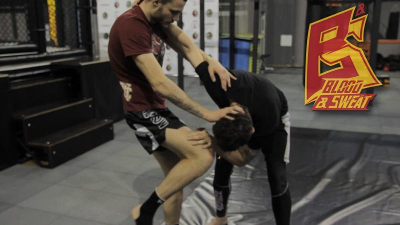 Тайский бокс Ломаем в клинче и бьем