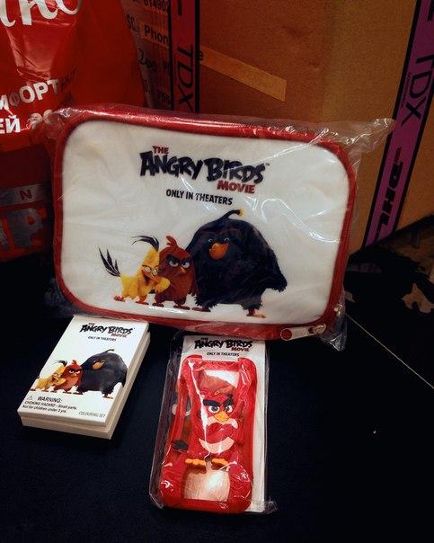 Готовимся к сегодняшней премьере «Angry Birds в кино» в нашем кинотеатре в Европолисе.