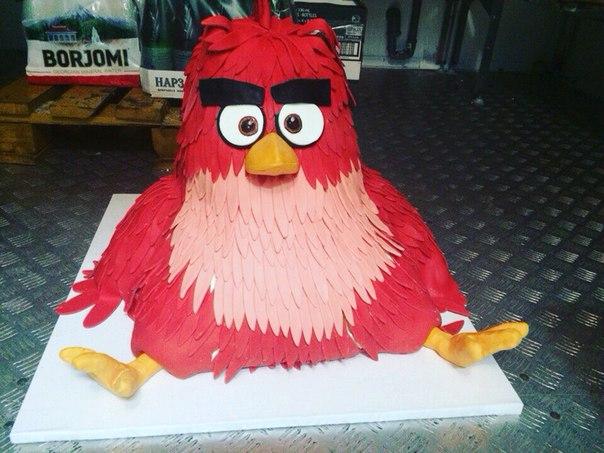 Вот какой торт ждет наших гостей на премьере «Angry Birds в кино»!  #AngryBirds #миражсинема #miragecinema