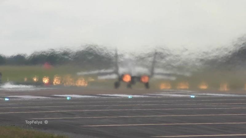 Mig 29 Spectacular Vertical Takeoff RIAT airshow 4K video МиГ-29 Вертикальный взлёт