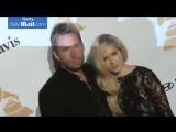 Видео с вечеринке Грэмми 2016 с Аврил Лавин и ее бывшим мужем