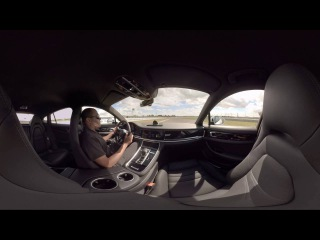 Hotlap in the new Porsche Panamera 4-E Hybrid