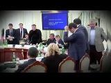 Аваков бросает стакан в Саакашвили. Скандал на заседании Национального совета реформ Украины