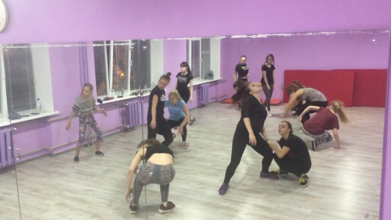 Dancehall pro, routine by Ms. Helen