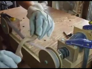 Самодельный мини шлифовальный станок для рельефных деревянных деталей