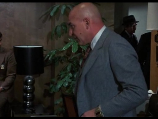 Kojak 1x12 Extremauncion para un sacerdote muerto