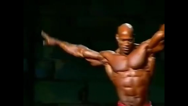 The Legend Shawn Ray at the 1999 Mr. Olympia. Fantastic physique and posing!!