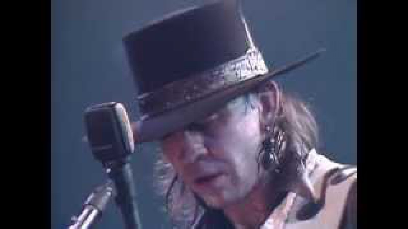 Stevie Ray Vaughan - Tin Pan Alley - 9211985 - Capitol Theatre (Official)