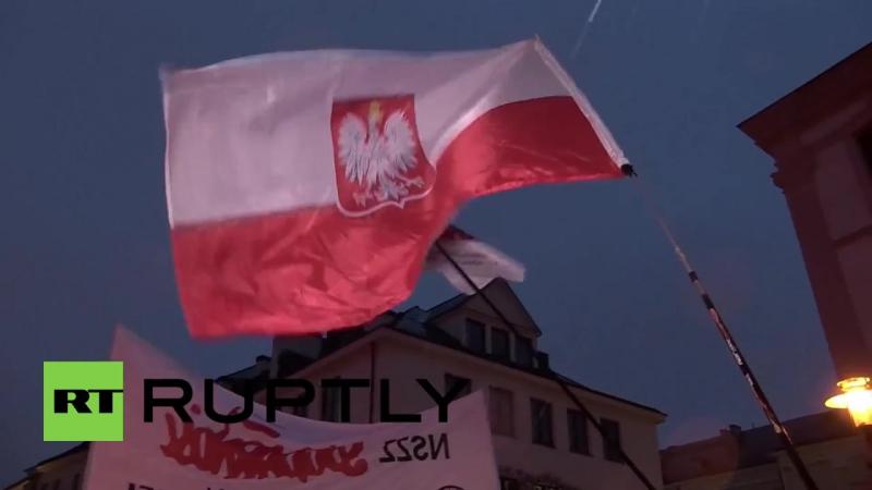 В Польше тысячи человек вышли на антикоммунистический марш